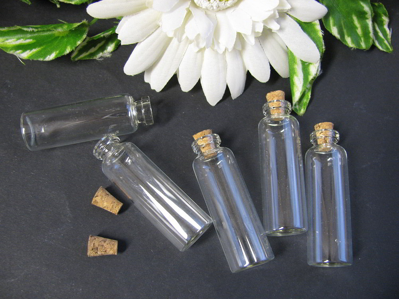 6 glasfl schchen mit korken bef llen glasflasche. Black Bedroom Furniture Sets. Home Design Ideas